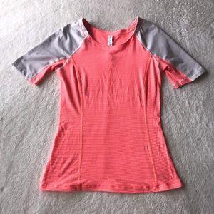 Lululemon short Sleeve Gym Shirt Size 4